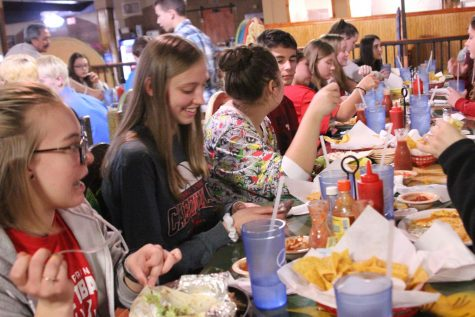 Juniors participate in first-ever Mexican food fundraiser