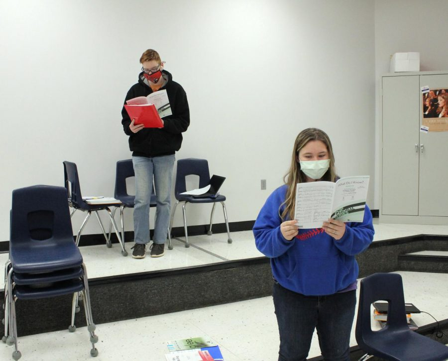 Sophomores Landon Nelson and Veronica James practice their song. They rehearsed during their first hour choir class.